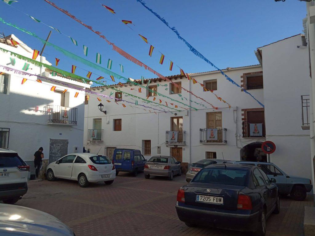 La Plaza del Mercado engalanada para celebrar las fiestas de la Virgen del Rosario
