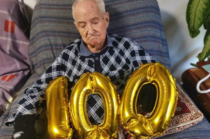 Baldomero Oliver Navarro cumple 100 años
